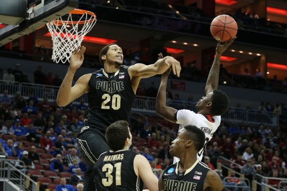 Ncaa Bracketology Kentucky Is No 1 Seed Uc Bearcats No: Purdue's AJ Hammons Gets Smacked In Face With Ball (Video