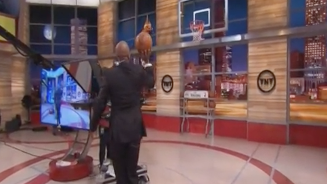 Kenny Smith knocks down one-handed free throw in a suit ...