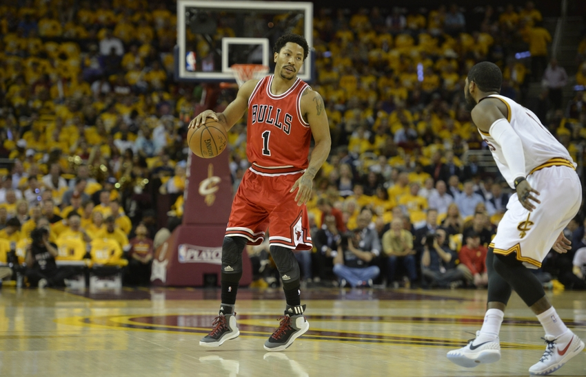 Derrick Rose nails in game-winning three in Game 3 vs Cavaliers (Video)