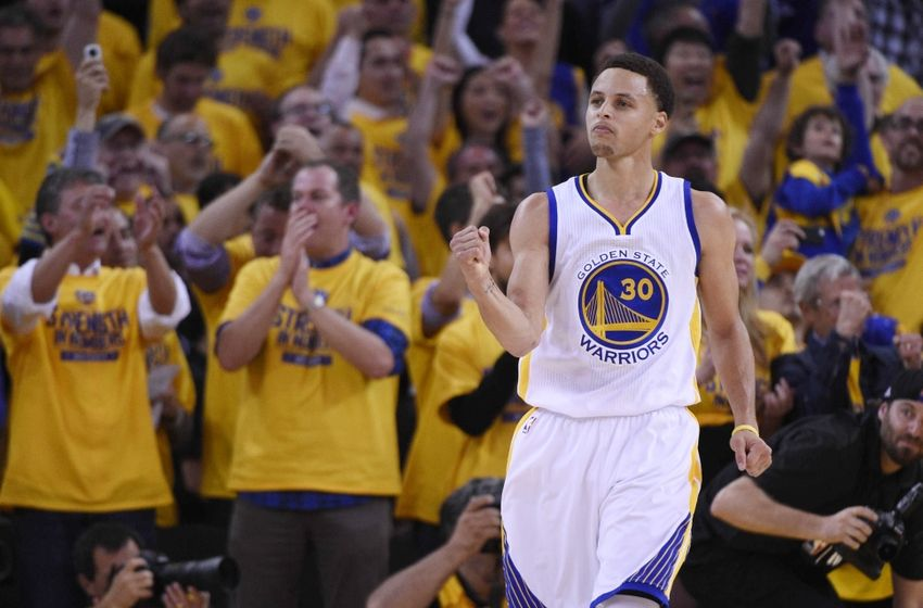 Steph curry drains buzzer beater before the half vs rockets video