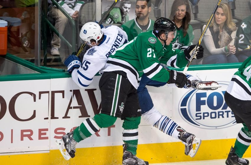 Dallas stars and toronto maple leafs engage in twitter war for Interieur sport antoine roussel