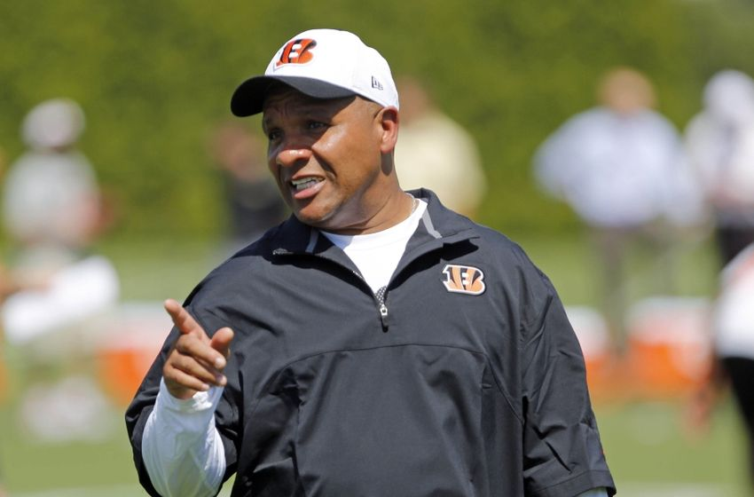 Bengals' Hue Jackson among two interviewed by Browns