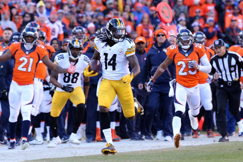 Jan 17, 2016; Denver, CO, USA; Pittsburgh Steelers wide receiver Sammie Coates (14) runs the ball against Denver Broncos cornerback Chris Harris (25) during the first quarter of the AFC Divisional round playoff game at Sports Authority Field at Mile High. Mandatory Credit: Matthew Emmons-USA TODAY Sports