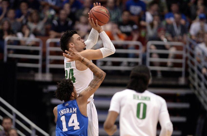 Oregon coach told Dillon Brooks to take late three point ...