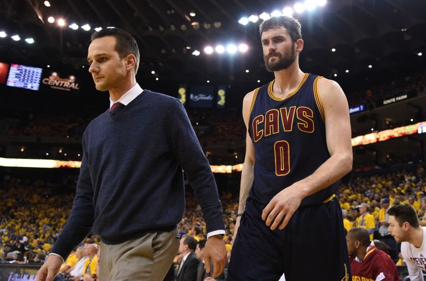 Kevin Love hitting Stone Cold Stunners on NBA players is ...