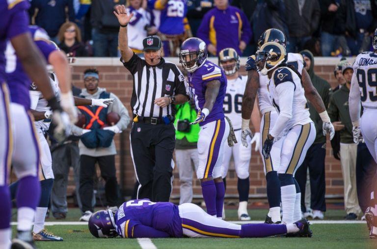 Teddy Bridgewater Blows Out Knee Ending His Season In Nfl