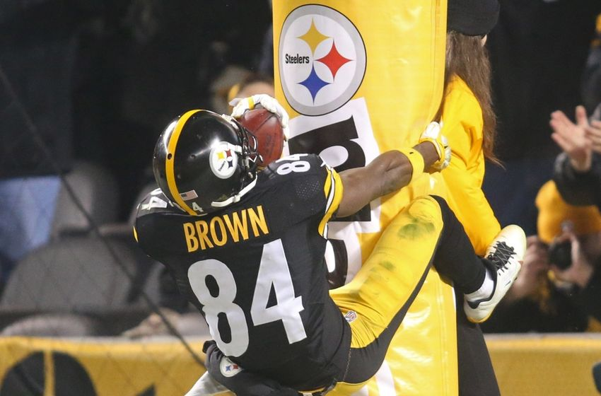 Nfl Roundup Nfl Clears 3 In Ped Probe Antonio Brown Gets