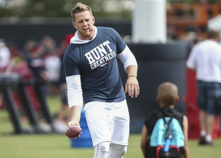 J.J. Watt reacts to younger brother first start at Lambeau ...