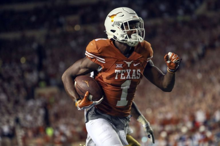 how many games are in a college football season what is the notre dame football score