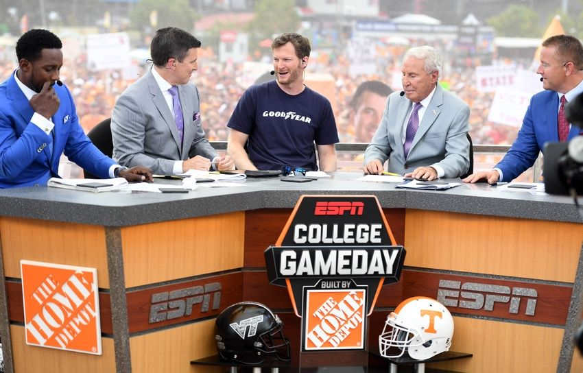 what college football games are on tv today college gameday espn
