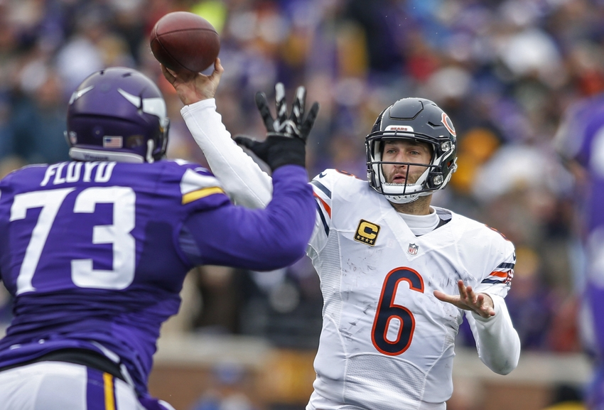 Dec 20, 2015; Minneapolis, MN, USA; Chicago Bears quarterback Jay Cutler (6) passes against the Minnesota Vikings in the second quarter at TCF Bank Stadium. The Vikings win 38-17. Mandatory Credit: Bruce Kluckhohn-USA TODAY Sports