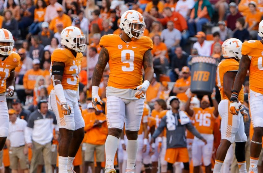 Nov 5, 2016; Knoxville, TN, USA; Tennessee Volunteers defensive end Derek Barnett (9) during the first quarter against the Tennessee Volunteers at Neyland Stadium. Mandatory Credit: Randy Sartin-USA TODAY Sports