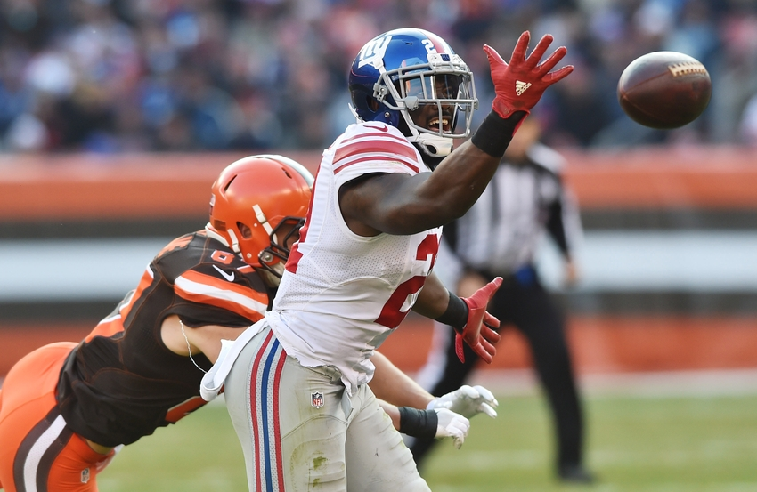 Nov 27, 2016; Cleveland, OH, USA; New York Giants strong safety Landon Collins (21) just misses an interception on a ball intended for Cleveland Browns tight end Seth DeValve (87) during the second half at FirstEnergy Stadium. Mandatory Credit: Ken Blaze-USA TODAY Sports