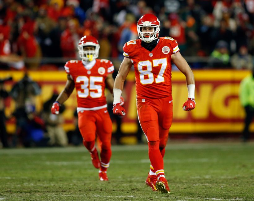 Dec 8, 2016; Kansas City, MO, USA; Kansas City Chiefs tight end Travis Kelce (87) celebrates after making a catch against the Oakland Raiders at Arrowhead Stadium. The Chiefs won 21-13. Mandatory Credit: Jay Biggerstaff-USA TODAY Sports