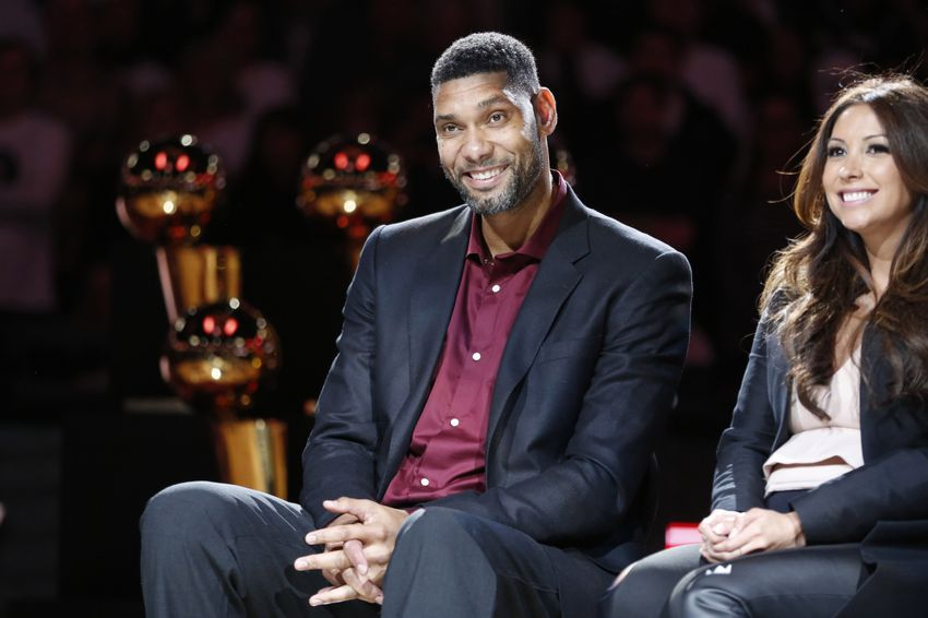 Spurs Retire Tim Duncan's No. 21 Jersey