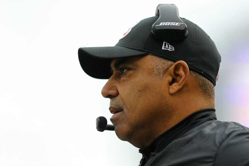 Jan 1, 2017; Cincinnati, OH, USA; Cincinnati Bengals head coach Marvin Lewis works the sidelines against the Baltimore Ravens in the first half at Paul Brown Stadium. Mandatory Credit: Aaron Doster-USA TODAY Sports