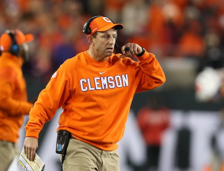 Dabo Swinney hoists National Championship trophy (Video)