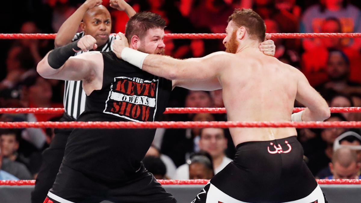 Kevin Owens and Sami Zayn get emotional at WWE house show in Montreal (Video)