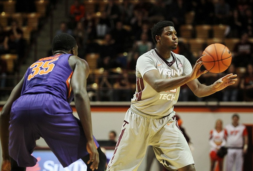 Will Virginia Tech upset Notre Dame?