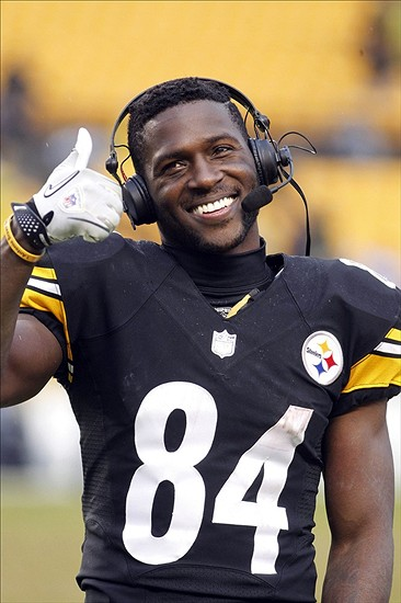 Antonio Brown responds to image showing his feet were in bounds on