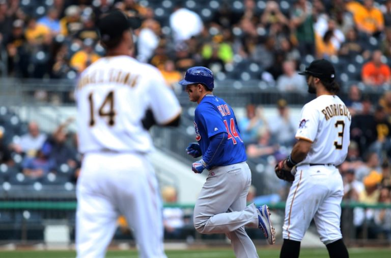 Ryan-vogelsong-anthony-rizzo-sean-rodriguez-mlb-chicago-cubs-pittsburgh-pirates-768x506