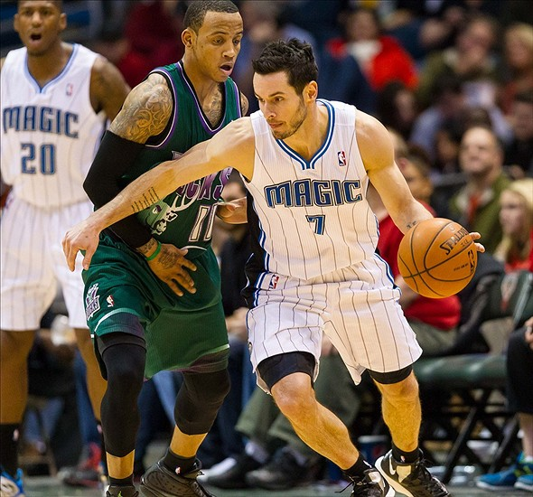 J.J. Redick is basketballing.