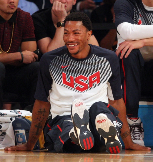 Aug 20, 2014; New York, NY, USA; United States guard Derrick Rose (6) reacts as fans chant his name during the second half of a game against the Dominican Republic at Madison Square Garden. Mandatory Credit: Brad Penner-USA TODAY Sports