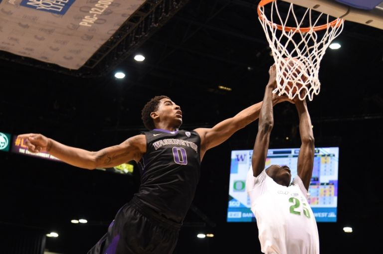 Chris-boucher-marquese-chriss-ncaa-basketball-pac-12-conference-tournament-washington-vs-oregon-768x510