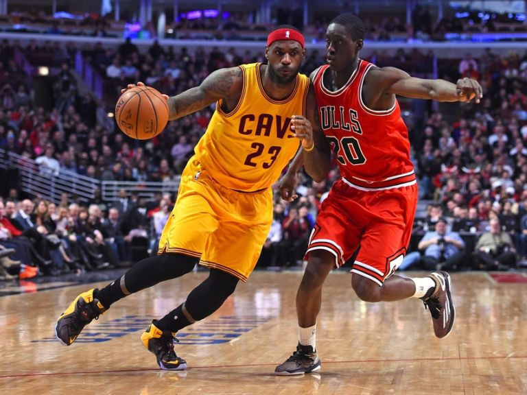 Lebron-james-tony-snell-nba-cleveland-cavaliers-chicago-bulls-768x576