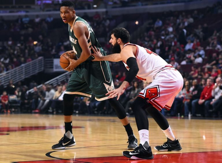 Nikola-mirotic-giannis-antetokounmpo-nba-preseason-milwaukee-bucks-chicago-bulls-768x564