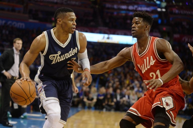 9016728-jimmy-butler-russell-westbrook-nba-chicago-bulls-oklahoma-city-thunder-768x510