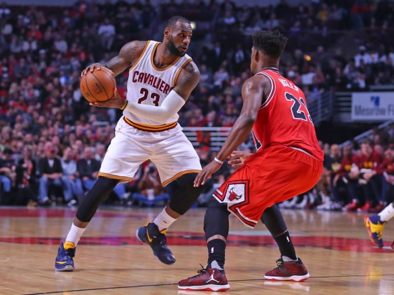 9241562-jimmy-butler-lebron-james-nba-cleveland-cavaliers-chicago-bulls-768x576