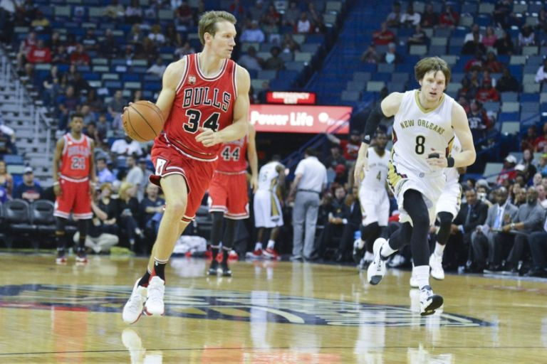 9245698-mike-dunleavy-nba-chicago-bulls-new-orleans-pelicans-768x512