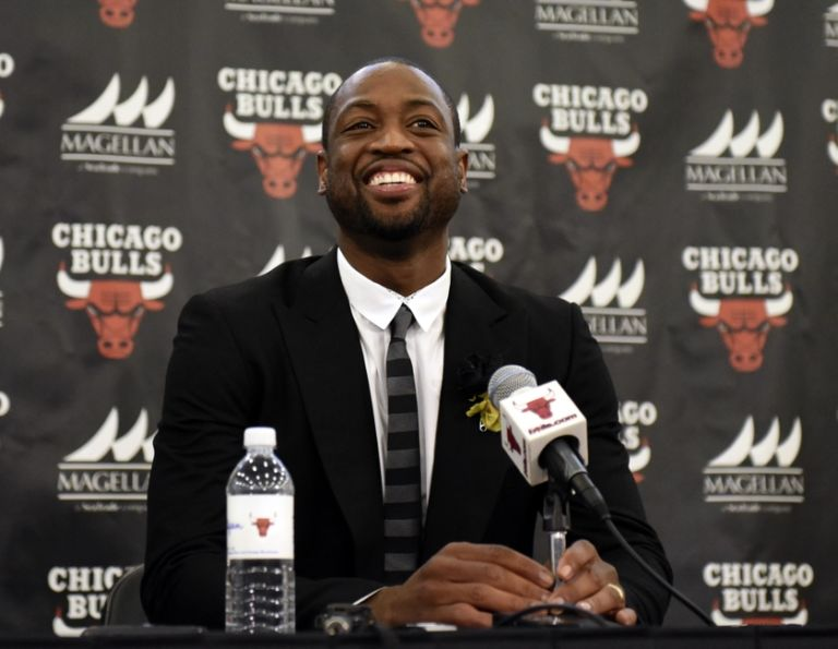 9410668-dwayne-wade-nba-chicago-bulls-dwyane-wade-press-conference-768x595