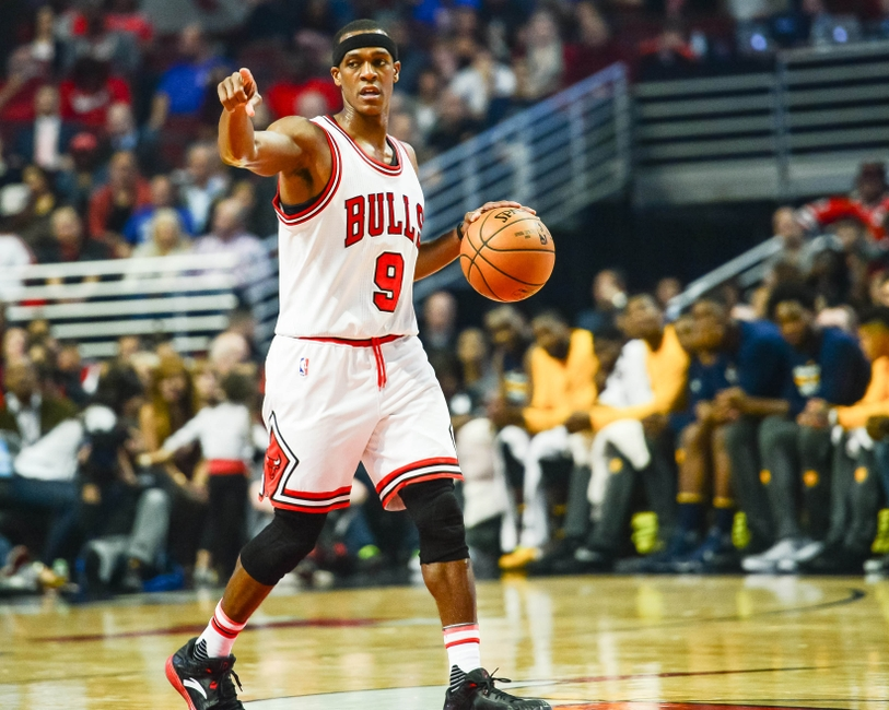 Oct 29, 2016; Chicago, IL, USA; Chicago Bulls guard Rajon Rondo (9) directs the offense against the Indiana Pacers during the first half at United Center. Mandatory Credit: Jeffrey Becker-USA TODAY Sports