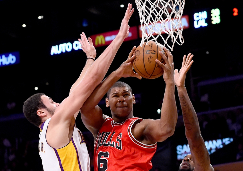 9695230-larry-nance-jr-nba-chicago-bulls-los-angeles-lakers