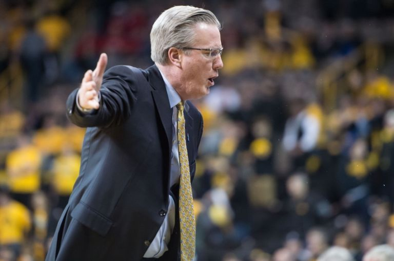 9135901-fran-mccaffery-ncaa-basketball-wisconsin-iowa-768x510