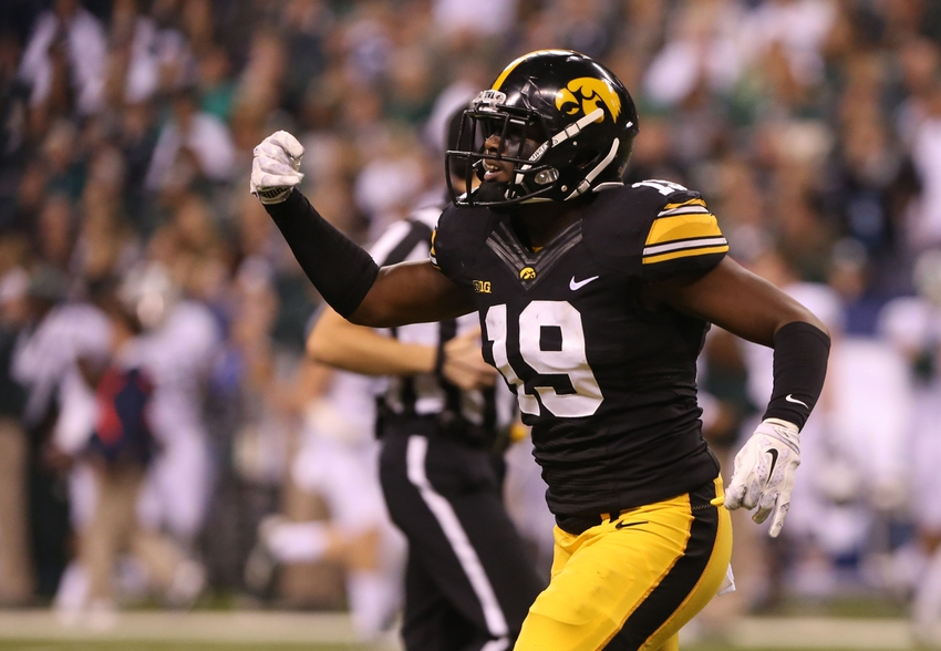 8991578-ncaa-football-big-ten-championship-iowa-vs-michigan-state