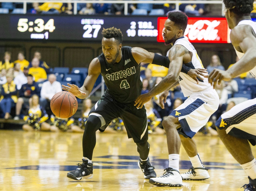 8938609-ncaa-basketball-stetson-west-virginia