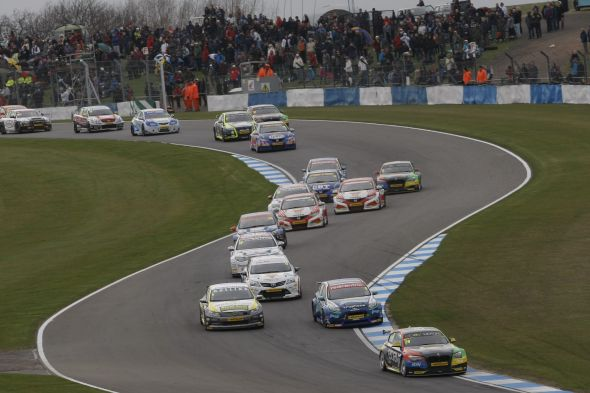 The British Touring Car Championship is on the rise and celebrating record attendances and grid figures in 2014. Credit: insidebtcc.com