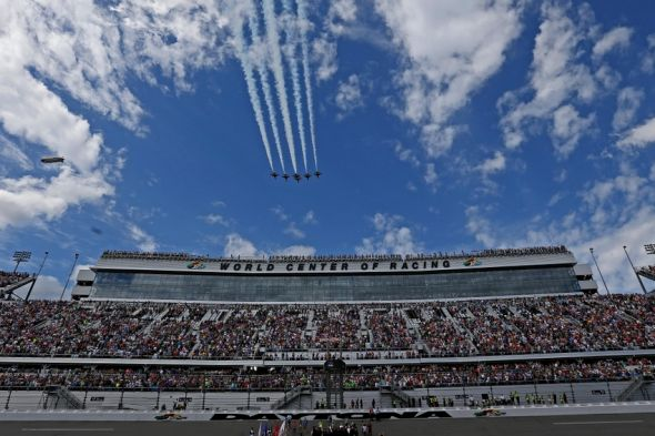 Feb 21, 2016; Daytona Beach, FL, USA; The U.S. Air Force F-16 Thunderbirds perform a flyover during the national anthem before the Daytona 500 at Daytona International Speedway. Mandatory Credit: Peter Casey-USA TODAY SportsFeb 21, 2016; Daytona Beach, FL, USA; xxxxxxx during the Daytona 500 at Daytona International Speedway. Mandatory Credit: Peter Casey-USA TODAY Sports