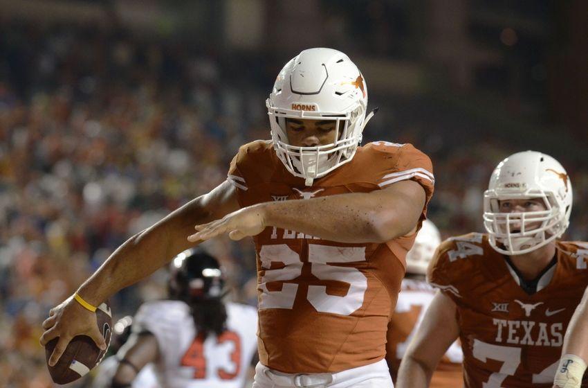 8953986-ncaa-football-texas-tech-texas-8