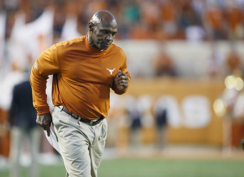 9533430-charlie-strong-el-paso-miners-ncaa-football-texas-el-paso-texas