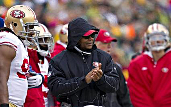 49ers coach Mike Singletary dressed for the elements at Lambeau Field in December 2010, the last time the 49ers played a game in sub-freezing temperatures. Mandatory Credit: Jeff Hanisch-USA TODAY Sports