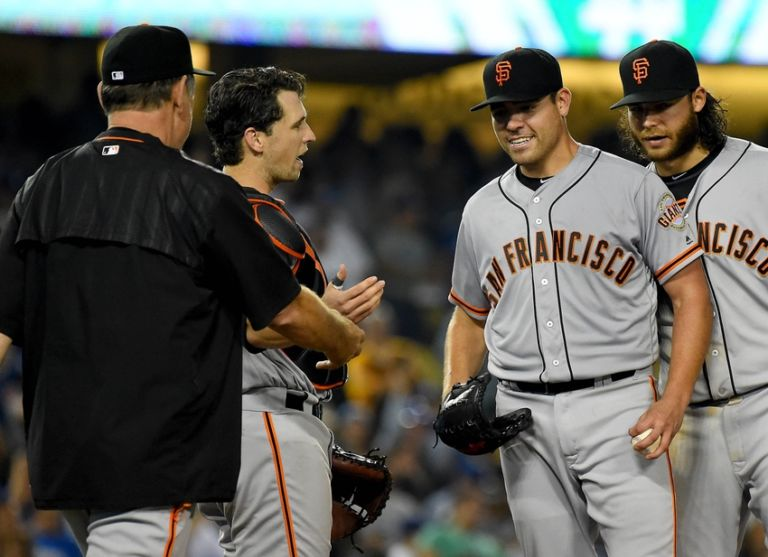 9500279-matt-moore-brandon-crawford-bruce-bochy-corey-seager-buster-posey-mlb-san-francisco-giants-los-angeles-dodgers-768x557