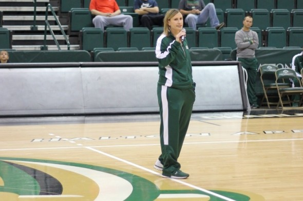 Cara Consuegra and the Charlotte 49ers open Conference USA play tonight as they host Old Dominion. (photo courtesy Kevin Harbin, Pick Axe Digest staff photographer)