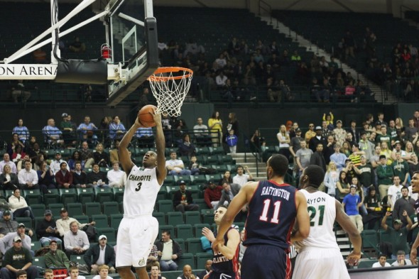 Shawn Lester came up big in the Niners' win over Florida Atlantic on Thursday night. (photo courtesy Kevin Harbin, Pick Axe Digest staff photographer)