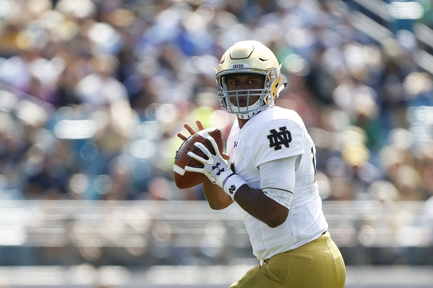 Nov 5, 2016; Jacksonville, FL, USA; Notre Dame Fighting Irish quarterback DeShone Kizer (14) looks to pass the ball in the second quarter against the Navy Midshipmen at Everbank Field. Mandatory Credit: Logan Bowles-USA TODAY Sports