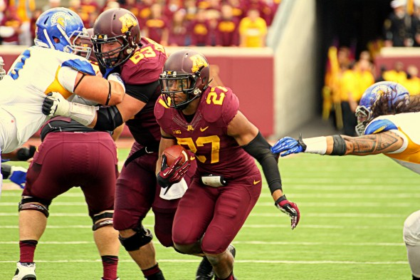 Gophers football running back David Cobb against San Jose State