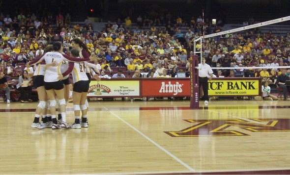 gopher_volleyball_indiana